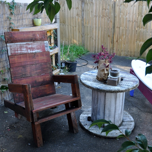 Pallet Handcrafted Furniture - Throne Lounge Chair and Table