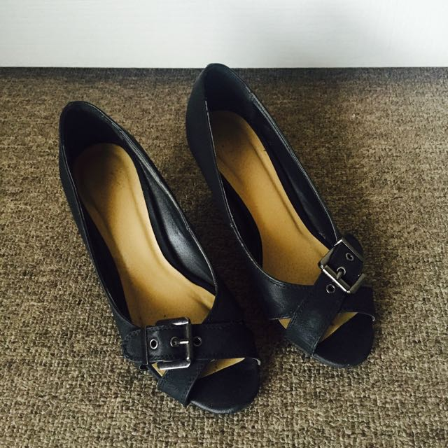 Size 5 Novo Black Low Heels