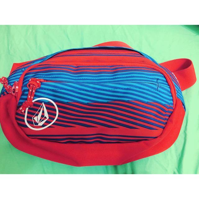 Volcom 側背小包