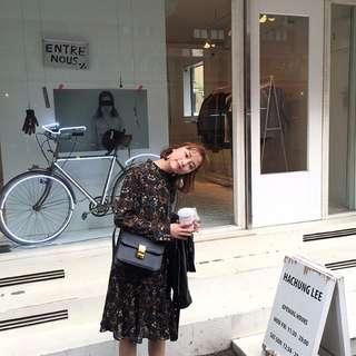 現貨-韓國超美氣質百搭花色圓領寬鬆長袖連衣裙