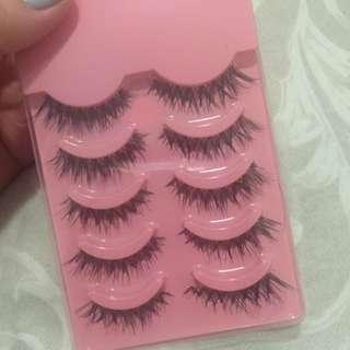 Demi Eyelashes