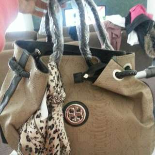 Reduced Price!! Tory Burch Handbag With Removable Clutch Bag