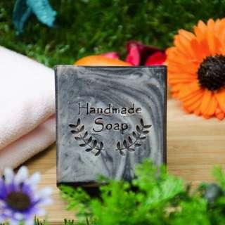 紫草潔膚皂  純手工製作 採用天然原料 身體無負擔 友善對待大自然
