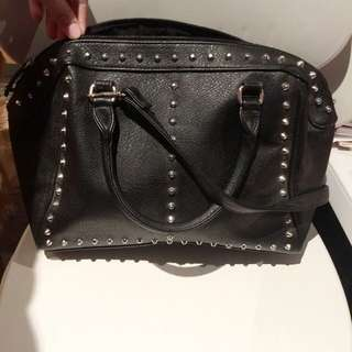 🙉H&M STUDDED BAG