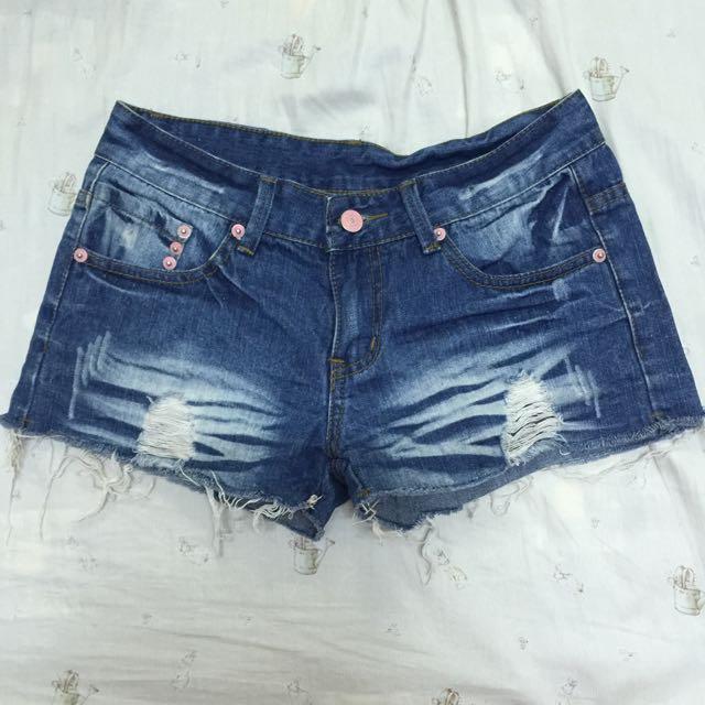 夏天必備不修邊短褲