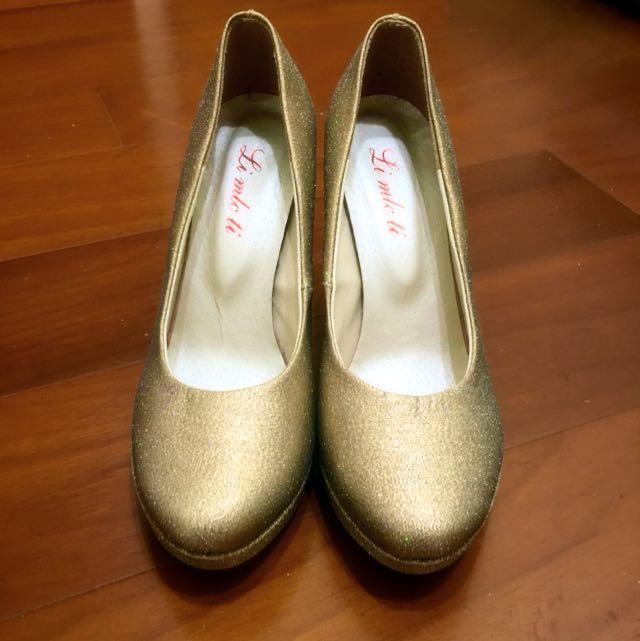 金色高跟鞋👠