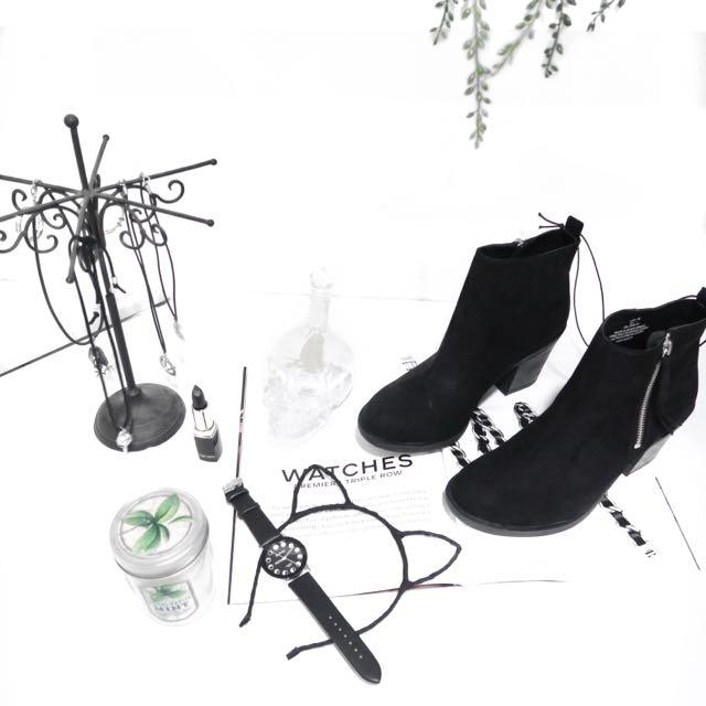 HM黑色裸靴 原價1200 便宜售出