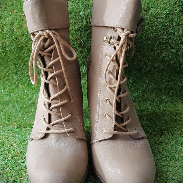 Lace-up Bootie (10)