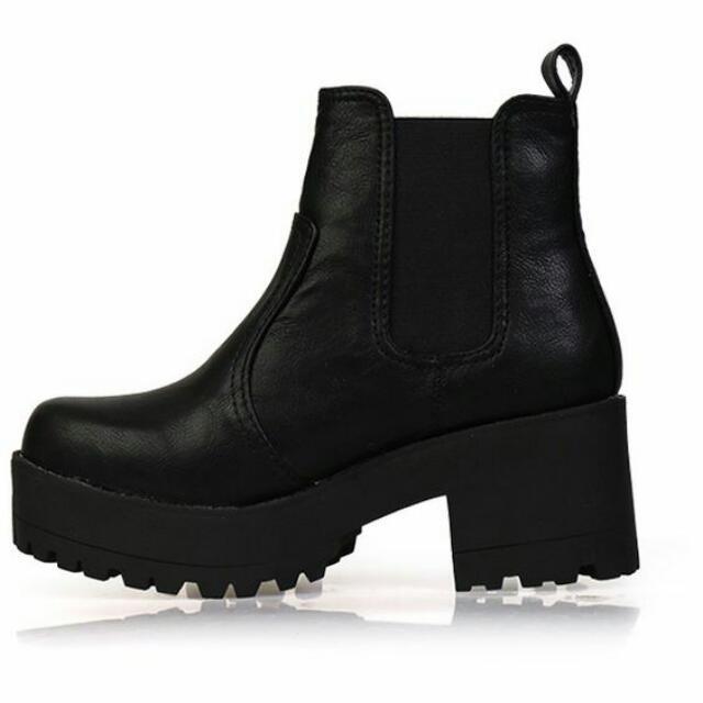 (Pending) Lipstick Eamon Biker Boot - Black