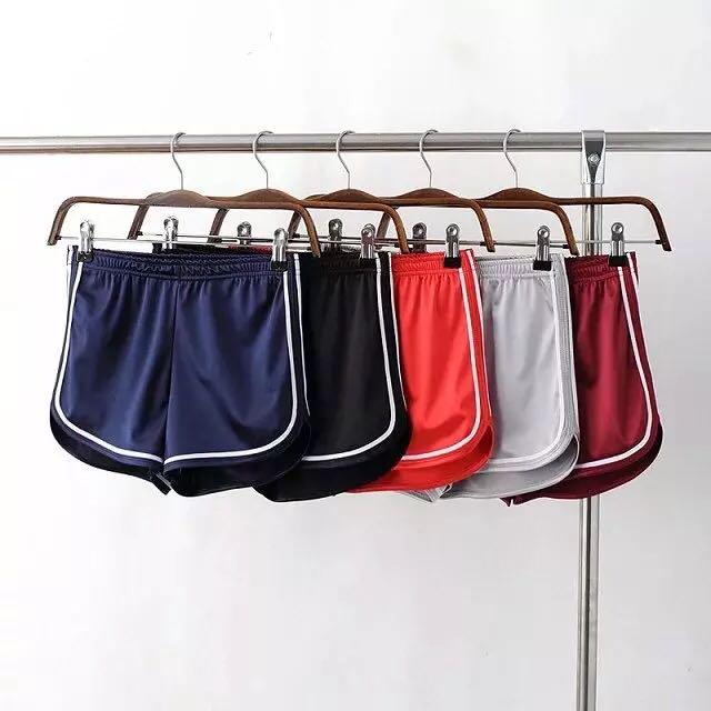 歐美AA緞面質感包臀短褲