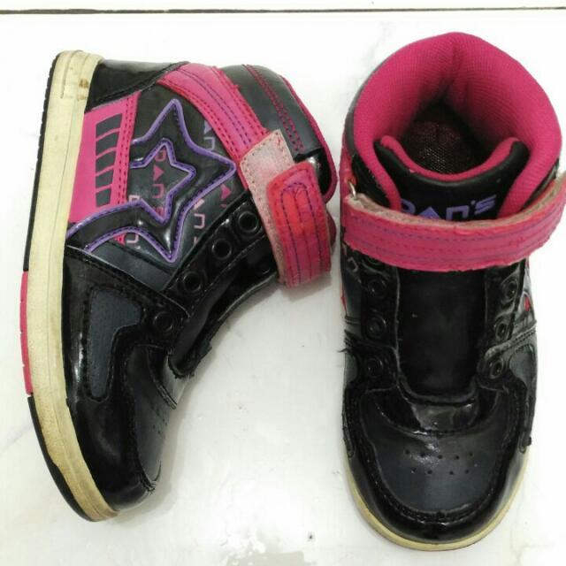 Preloved Sepatu Anak Merk Dans