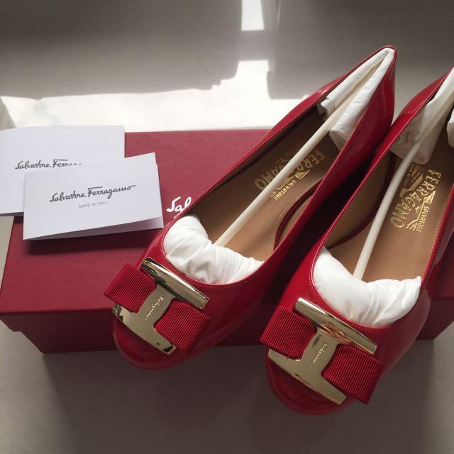 Salvatore Ferragamo 蝴蝶結漆皮紅 膠底鞋