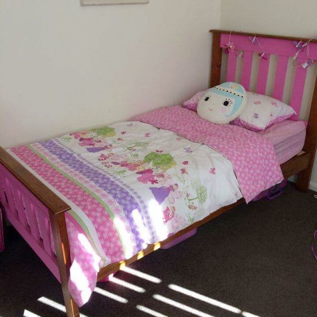 Solid Pink Single Bed