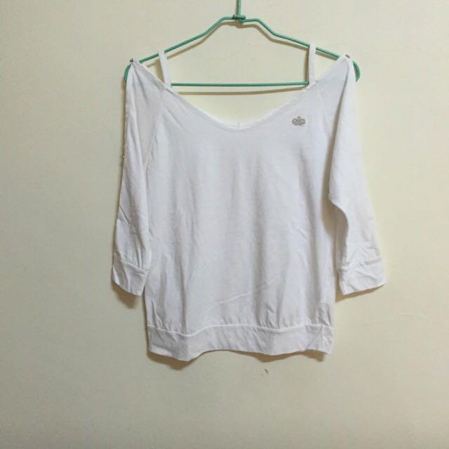 白色五分袖露肩Tshirt