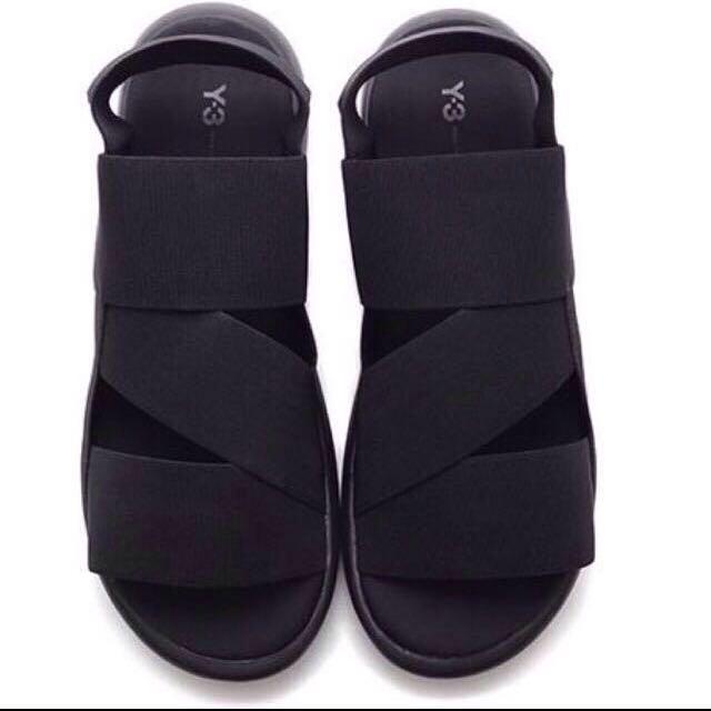 d89ea4711 Y3 Qasa Sandals