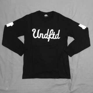 12b1697226b   UNDEFEATED   Black Graphic Long Sleeve Ter