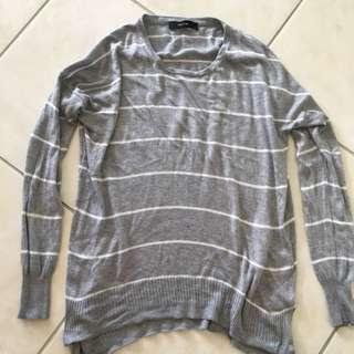 Decjuba Long Sleeve Sweater Sz Small