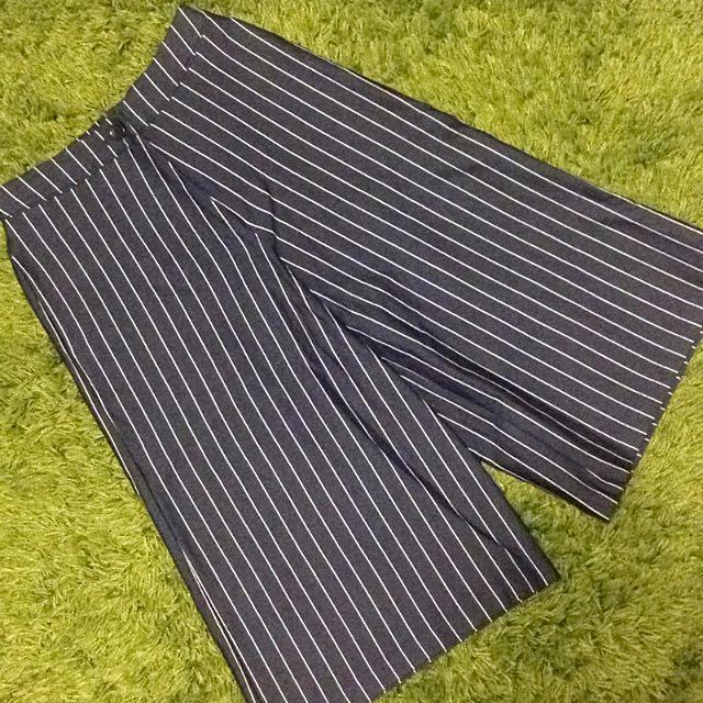 深藍色寬褲