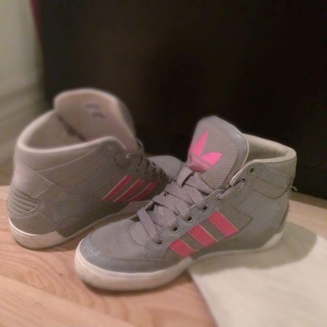 Adidas_pink&grey shoes