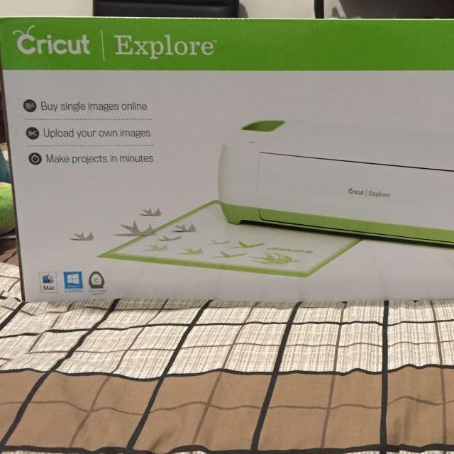 Cricut Explore Electronic Cutting Machine (plus Cricut Tools)