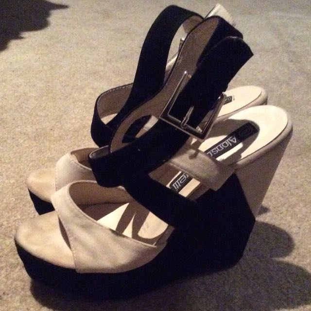 New Black And White Wedge