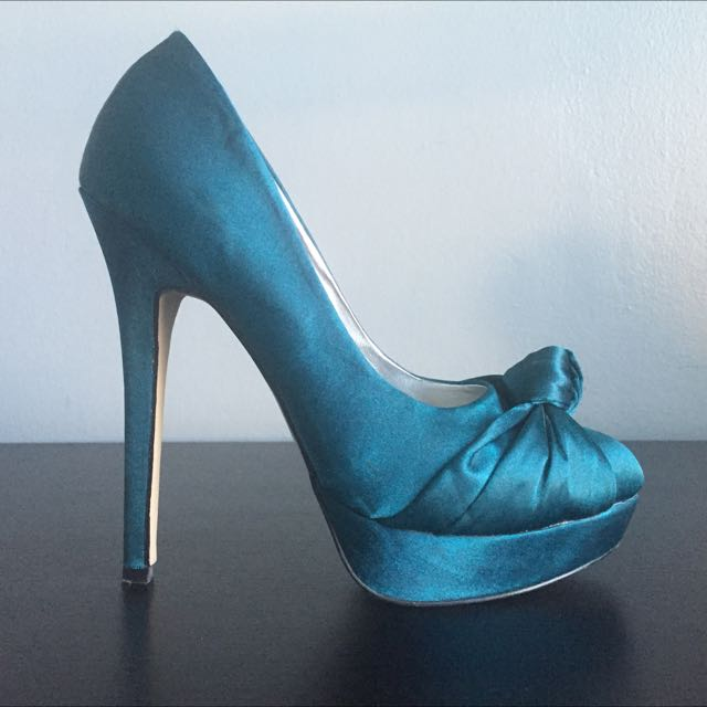 Size 9 Just Fab High Heel - Aqua Blue