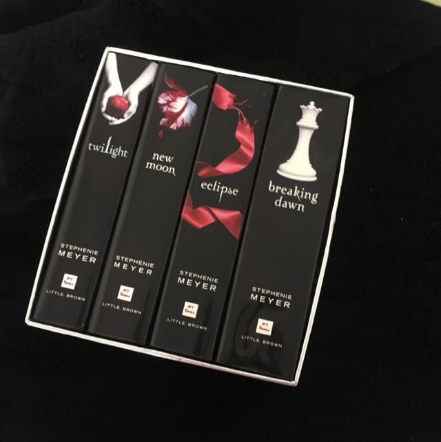 Twilight Saga Complete Collection Box Set