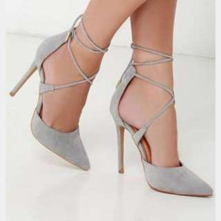 Caged Heels With Tie-up Straps Size 9