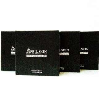 APRIL SKIN MAGIC CUSHION 魔法雪肌氣墊粉餅 黑色 自然色