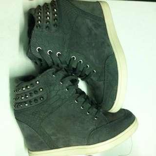 preloved ALDO wedges sneakers