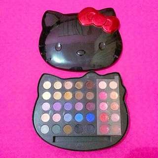 Hello Kitty by Sanrio Eyeshadow & Lip Gloss Pallete (Disneyland Hongkong)