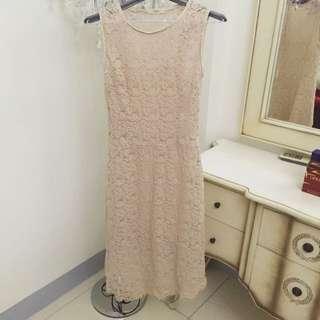蕾絲粉色洋裝