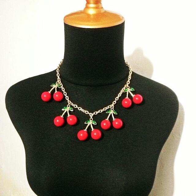 COLOURBOX Necklace