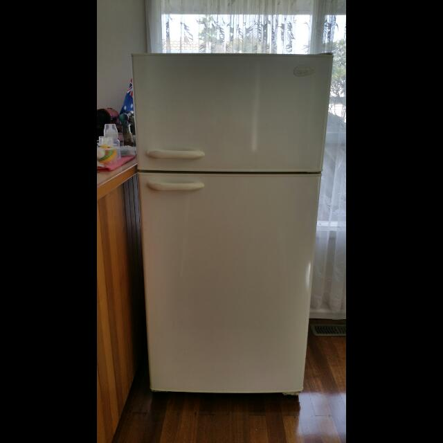 Kelvinator 520L Fridge