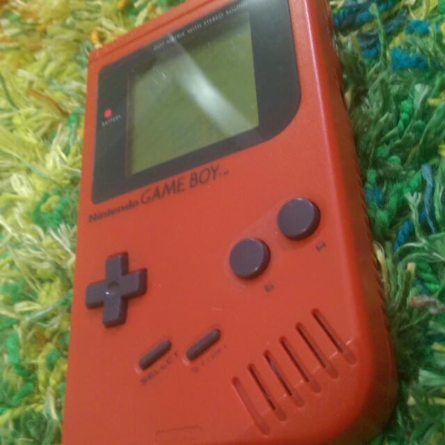 Nintendo Gameboy DMG-01 PIL Red