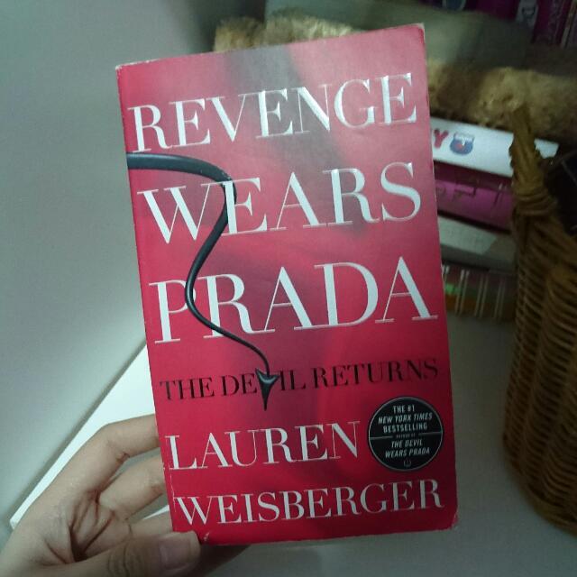 Revenge Wears Prada The Devil Returns By Lauren Weisberger