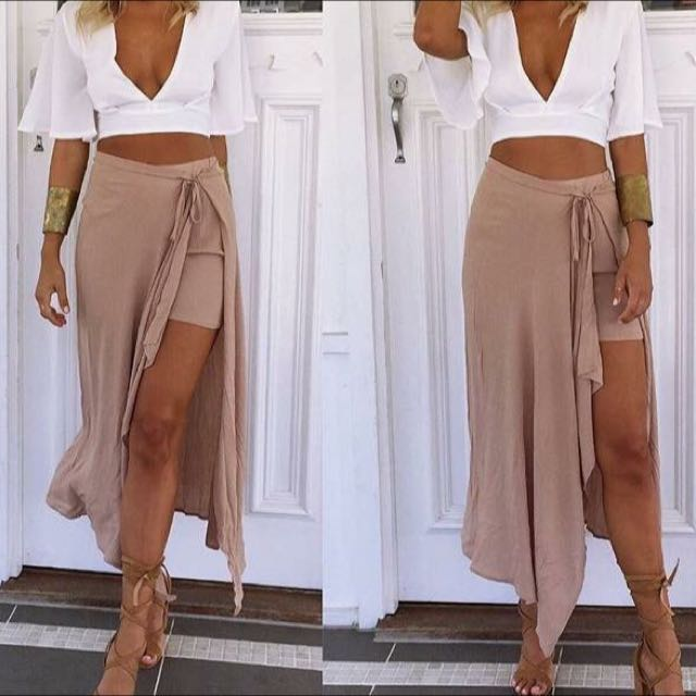 Size 8 Nude Skirt