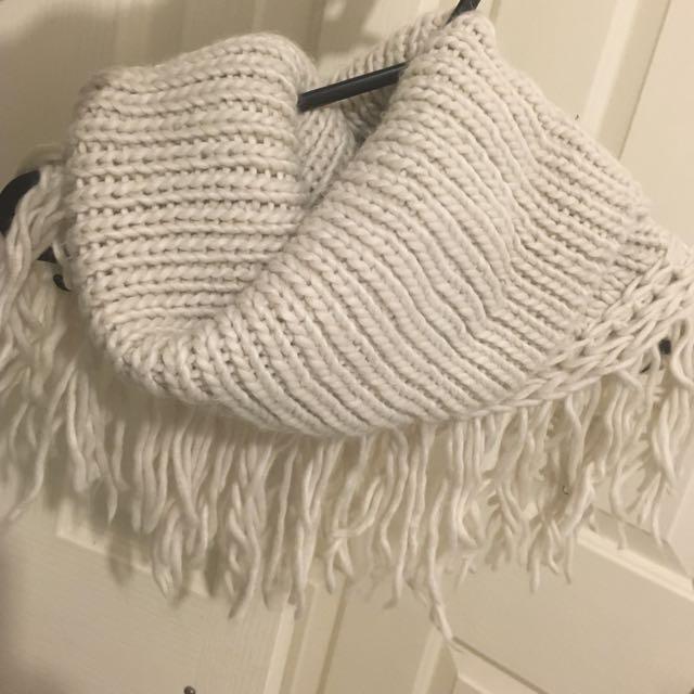 Sports girl Infinity scarf