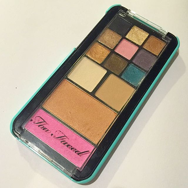 Too Faced - Jingle All The Way Palette Limited Edition (eyeshadow, blush, bronzer)