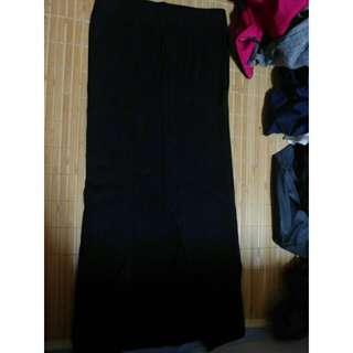 黑色 開叉中長裙