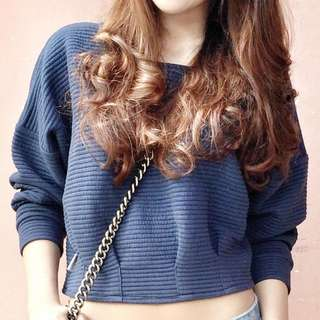 blue sweater crop