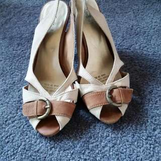 Tan/nude Sling Back Heels With Buckle Detail Size 6 Sportsgirl