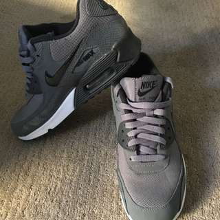 Nike Air Max - Size 41 Worn Once