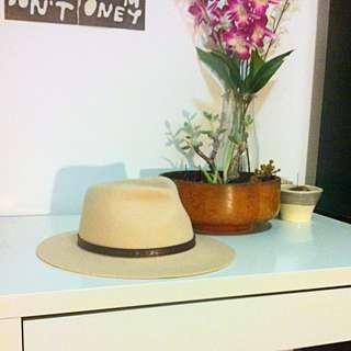 FallenBROKENstreet Dingo Cream Hat