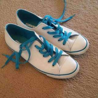 Converse Size 7