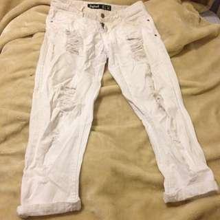 Boyfriend white jeans