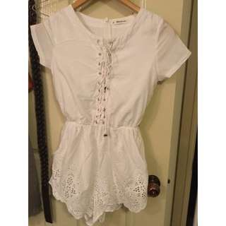 WHITE LACE UP PLAYSUIT SIZE 6