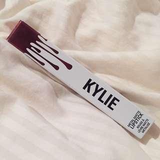 Kylie Cosmetics (Reign)