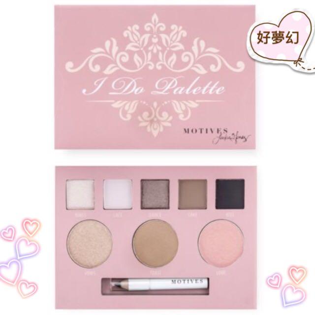 粉嫩新品新上市 莫蒂膚®我願意彩盤-包括:五色眼影、一個頰彩、一個修容粉餅、一個打亮粉餅以及一支迷你眼線筆