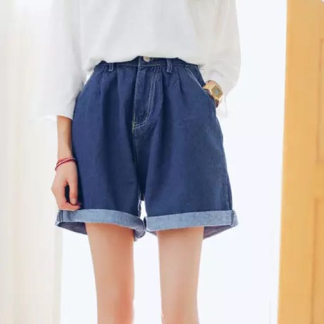 【全新】寬鬆休閒顯瘦牛仔短褲